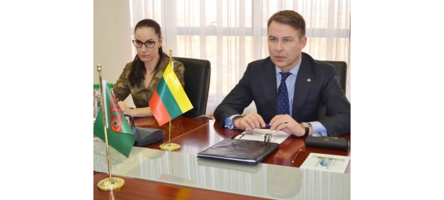 THE AMBASSADOR OF THE REPUBLIC OF LITHUANIA IN TURKMENISTAN PRESENTED THE COPIES OF HIS CREDENTIALS